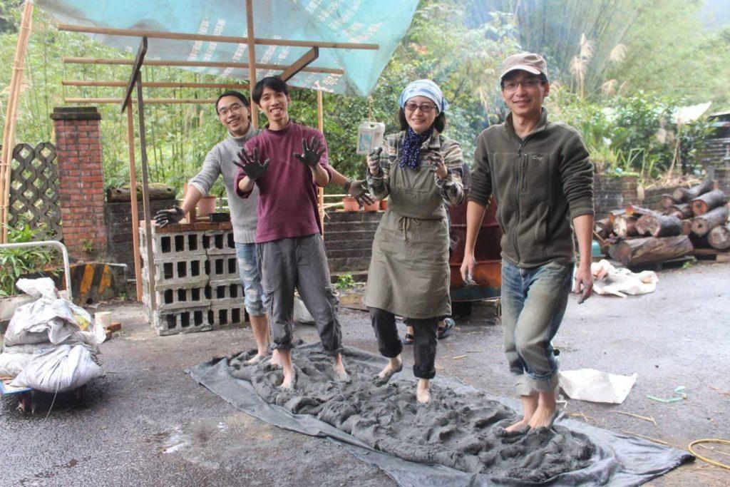 同學們一起來做窯